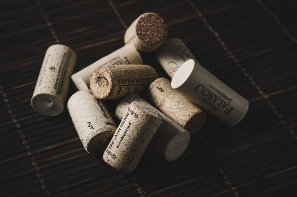 Dziesięć korków od wina